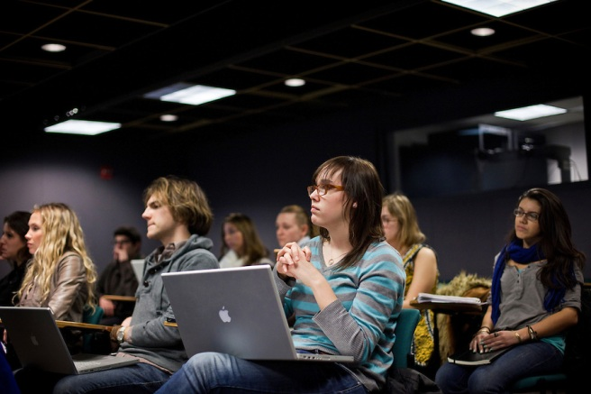 Social Media Students Help Companies Reach Younger Generations